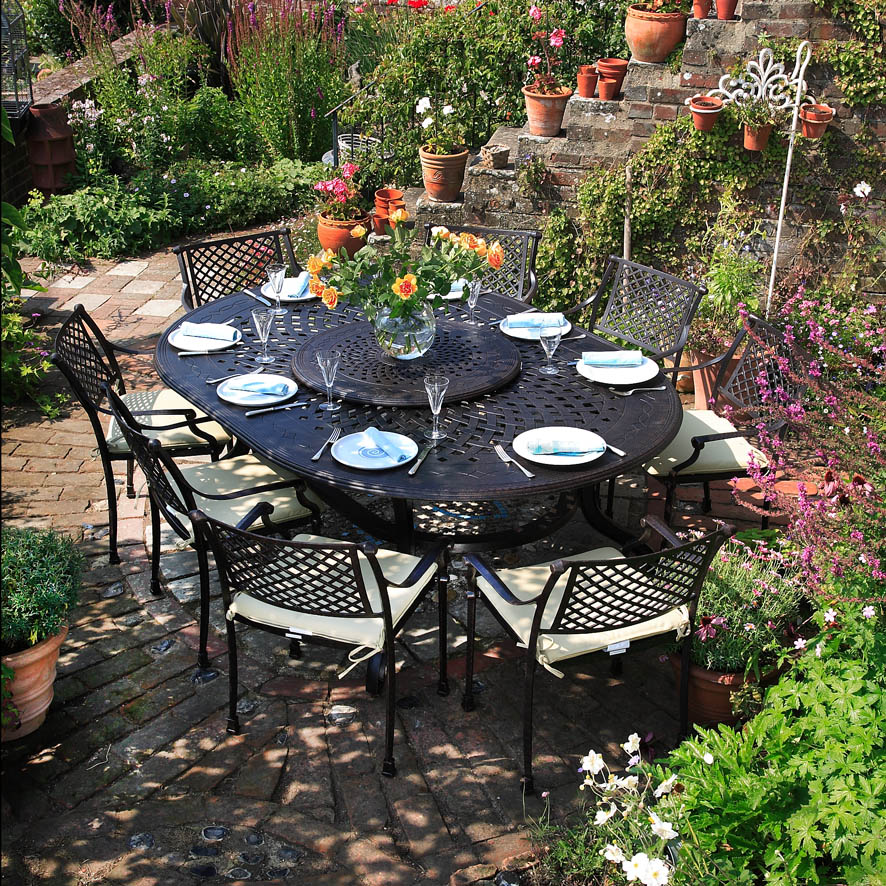 comparatif tables de jardin 8 personnes le blog de lazy susan. Black Bedroom Furniture Sets. Home Design Ideas