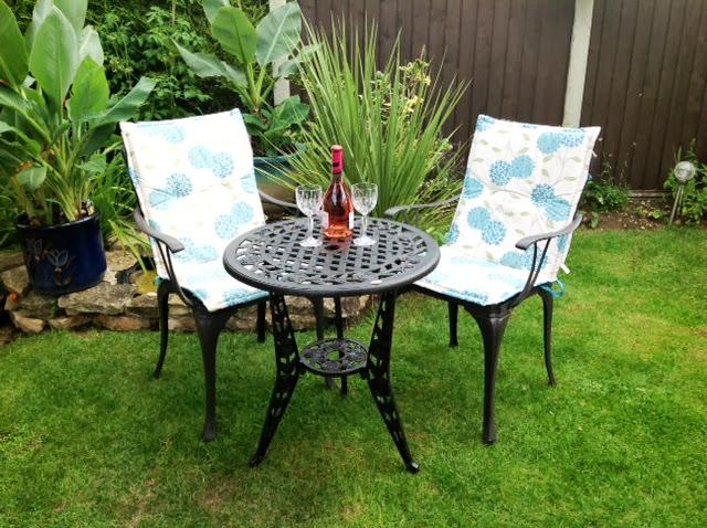 o trouver un fauteuil de jardin confortable le blog de lazy susan. Black Bedroom Furniture Sets. Home Design Ideas