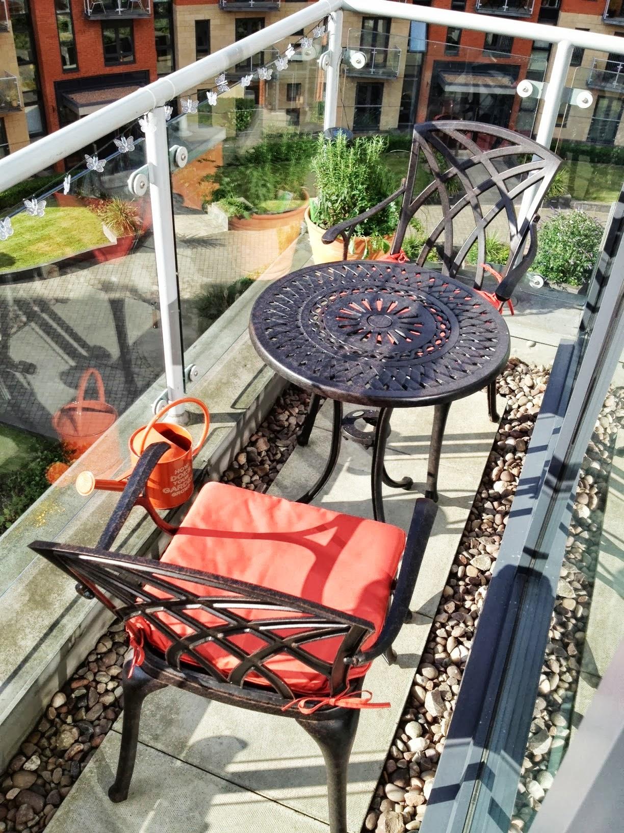 Le blog de lazy susan meubles de jardin d co et bons plans du jardin page 3 - Petite table de balcon ...