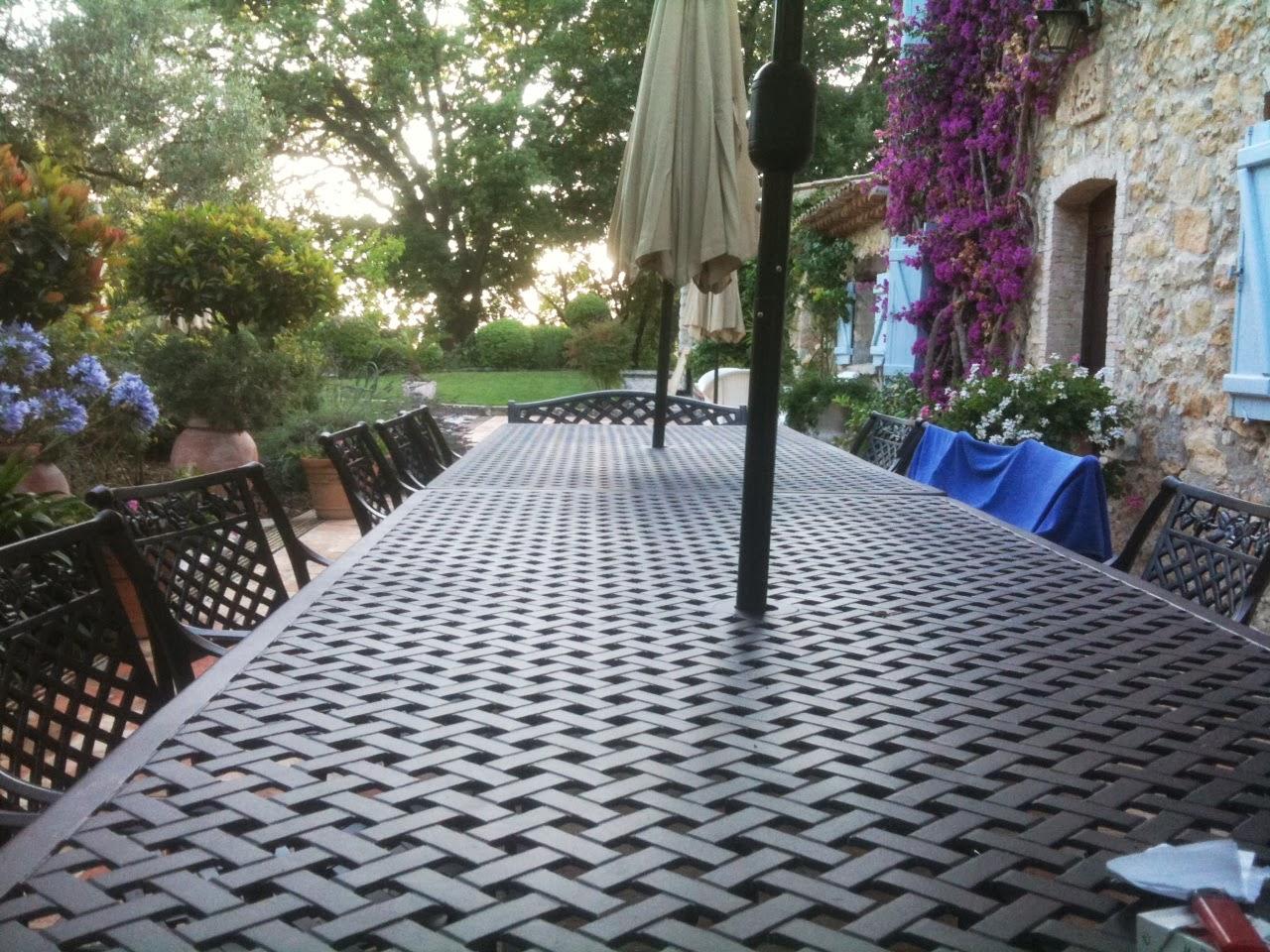 Cherche salon de jardin grande taille le blog de lazy susan for Boutique dans un jardin en ligne